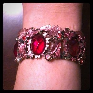 Expandable Metallic Pink Bracelet with Red Stones